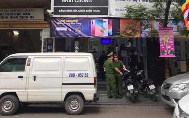 [Nóng] CA đang tiếp tục khám nơi ở của quản lý Nhật Cường Mobile, nhiều cửa hàng đã đóng cửa
