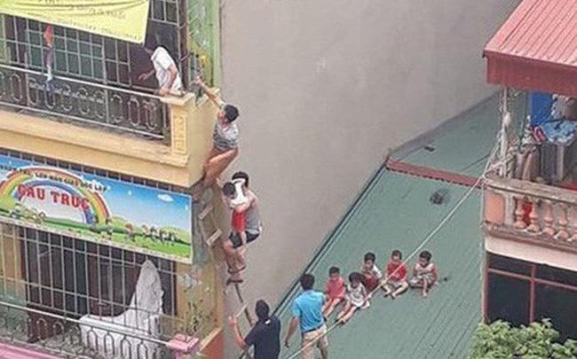 Hà Nội: Cháy trường mầm non tư thục, người dân trèo tầng 4 giải cứu nhiều học sinh
