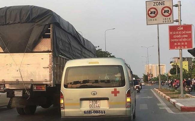 Điều tra: Xe tải tung hoành vào giờ cấm trước chốt CSGT