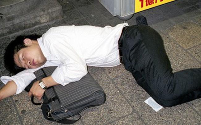 Làm việc đến chết - nỗi ám ảnh khôn nguôi và mảng màu u tối đến đáng sợ trong xã hội đầy tính kỷ luật ở Nhật Bản