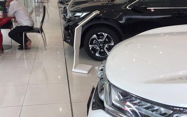 Nghịch lý thị trường ôtô ế ẩm, nhiều dòng xe vẫn khan hàng