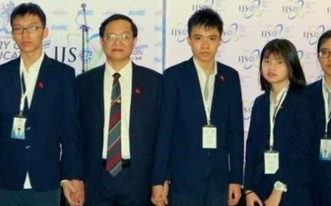 Nam sinh Việt Nam đầu tiên giành điểm điểm số tuyệt đối 1600 ở bài thi SAT 1