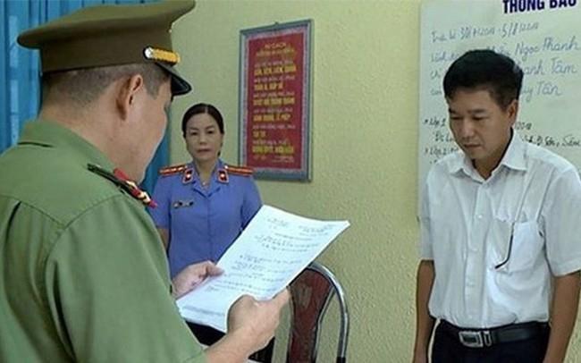 Gian lận thi cử ở Sơn La: Luật sư đề nghị xem xét khởi tố Giám đốc Sở GD-ĐT 'gửi gắm' 8 thí sinh - ảnh 1