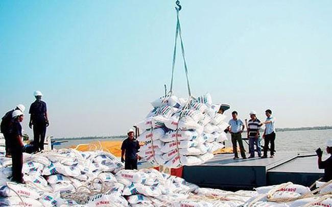 """Loại hàng loạt đơn vị """"gác"""" chất lượng phân bón nhập khẩu vì... có vấn đề"""
