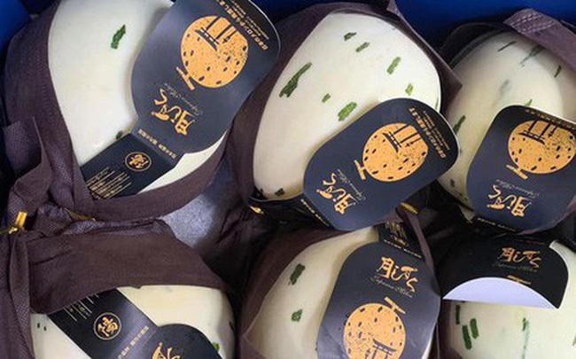 Dưa Nhật Bản ngọt như sữa đắt khách ngày hè nắng nóng - ảnh 1