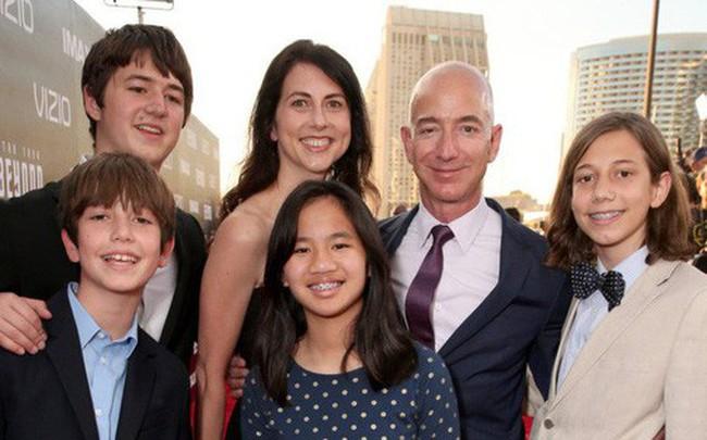 4 người con của tỷ phú Amazon giờ ra sao sau khi bố mẹ ly hôn, cha có tình yêu mới?