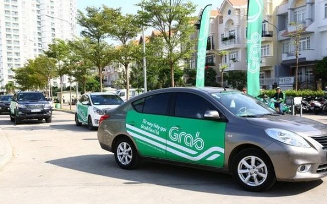 Bộ Giao thông Vận tải báo cáo Chính phủ về quy định gắn hộp đèn cho taxi công nghệ