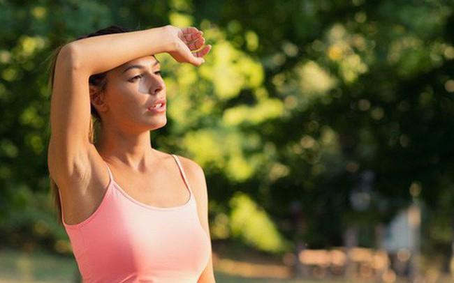 Sốc nhiệt và những dấu hiệu sống còn bạn không nên chủ quan trong mùa nắng nóng