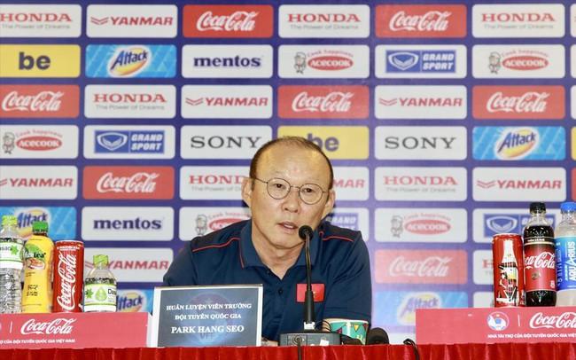 VFF có cần tăng lương cho HLV Park Hang Seo?