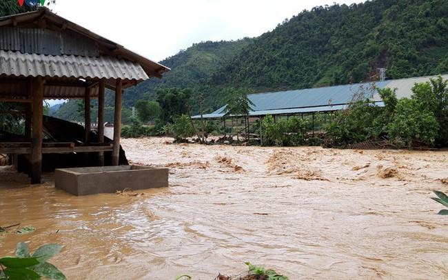 Ảnh: Huyện nghèo ở Lai Châu tan hoang sau cơn lũ đầu mùa