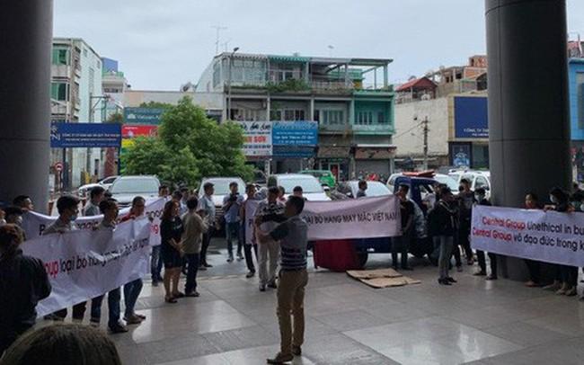 Loạt nhà cung ứng phản đối Central Group vì ngưng nhập hàng may mặc Việt - ảnh 1