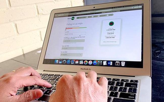 Vay tiền online dễ sập bẫy lãi suất cắt cổ