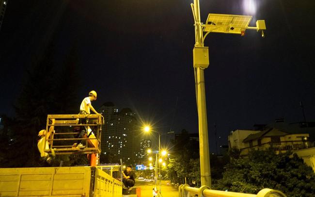 Lắp trạm quan trắc cảnh báo ở 'rốn ngập' Nguyễn Hữu Cảnh - ảnh 1