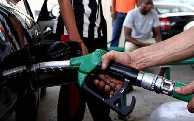Công chức sử dụng điện, nước, xăng dầu… vượt định mức sẽ bị phạt tiền