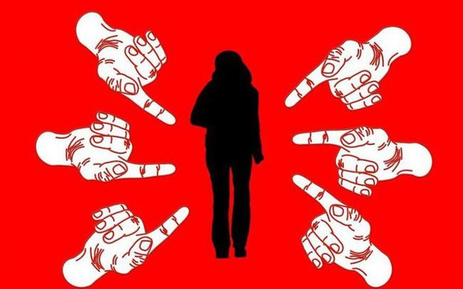 Không ai có trách nhiệm phải làm hài lòng cả xã hội: Hãy phớt lờ những quy chuẩn vô nghĩa này để giải thoát cho bản thân