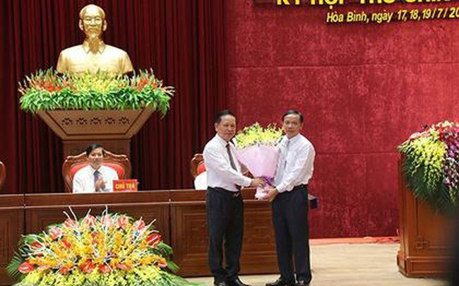Ông Bùi Văn Khánh được bầu làm Chủ tịch UBND tỉnh Hòa Bình