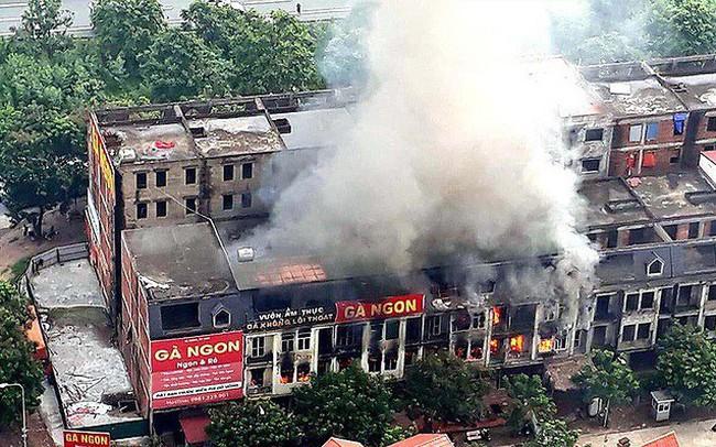 Cháy nổ các khu biệt thự 'tiền tỷ' bỏ hoang: Hiểm họa được báo trước - ảnh 1