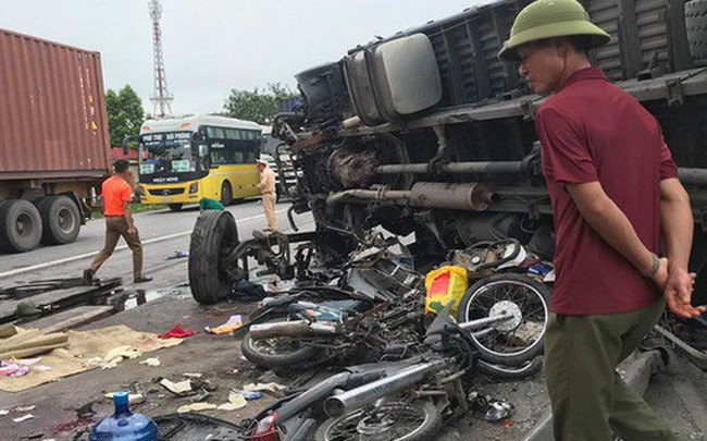 Ba vụ tai nạn trong 1 giờ đồng hồ khiến 7 người tử vong trên Quốc lộ 5 - ảnh 1