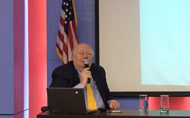 Giáo sư Mỹ phân tích yếu tố quyết định trong cuộc đua vào Nhà Trắng năm 2020