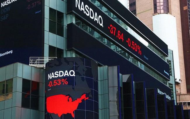 Nhà đầu tư Mỹ không ngừng bán cổ phiếu khi Mỹ tăng thuế mạnh với hàng Trung Quốc