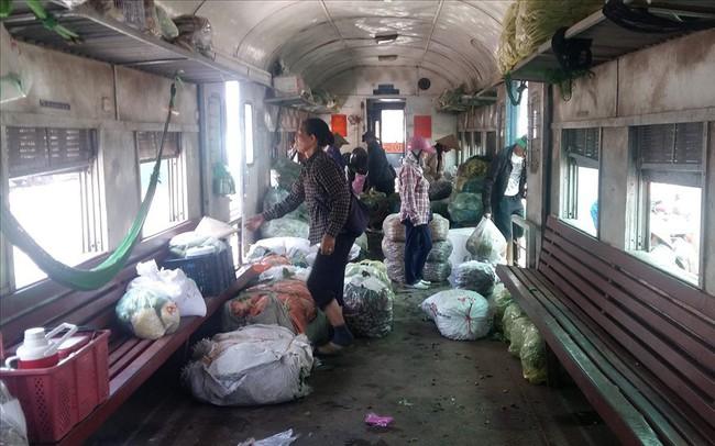 Tàu hỏa Yên Viên – Hạ Long: Chạy 320km, doanh thu 3,8 triệu đồng