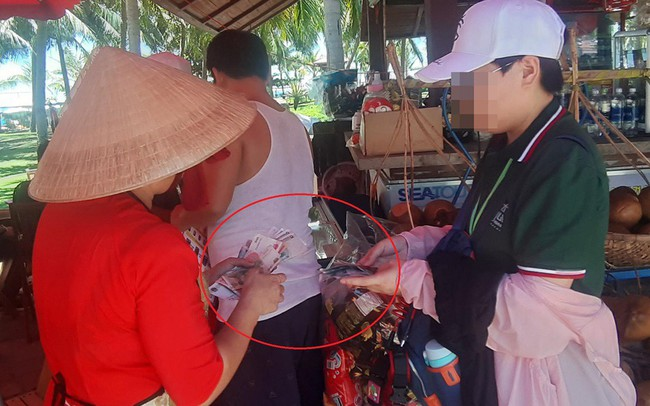 Đà Nẵng: Công khai mua bán bằng đồng Nhân dân tệ