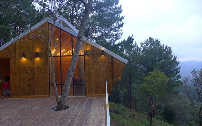 Nhà gỗ 'ghé' lưng đồi, lãng mạn trong thung lũng trong sương Đà Lạt