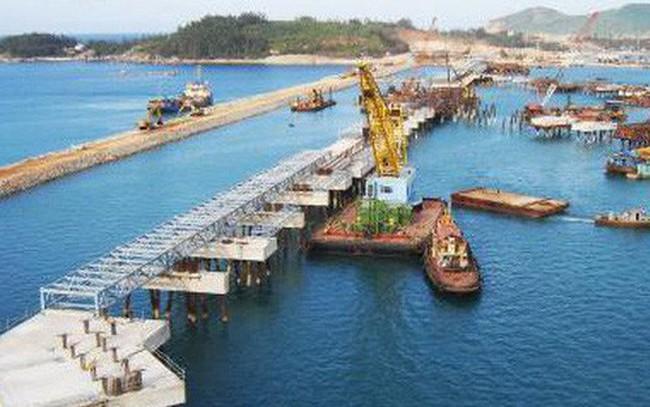 """VAFI: """"Chính phủ nên bán vốn ở Vinamilk, Sabeco, FPT...để xây cảng nước sâu"""""""