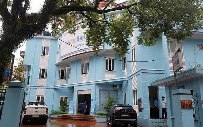 Vây bắt đối tượng dùng dao cướp ngân hàng tại Lào Cai