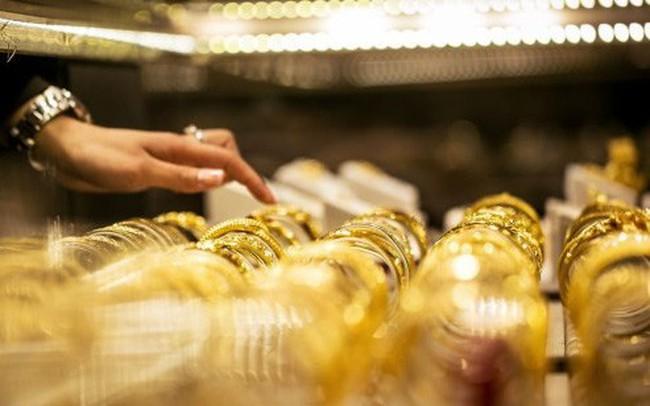 """""""Chìm nổi"""" theo xung đột thương mại Mỹ - Trung, hướng đi nào cho giá vàng tuần này?"""