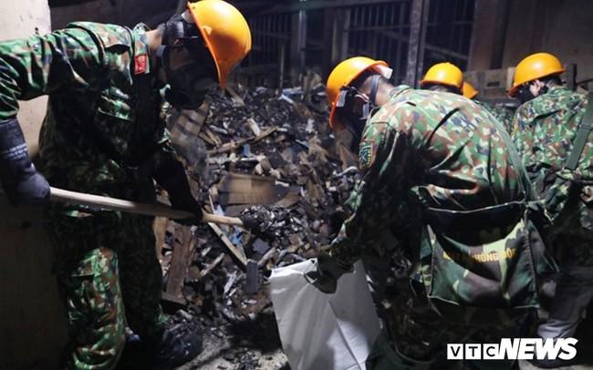 Rải hơn 3,7 tấn chất hóa học chống phát tán thủy ngân trong nhà máy Rạng Đông
