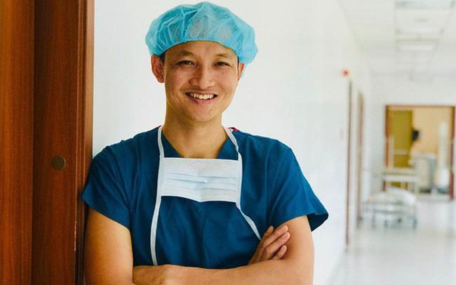 """Vẫn khoẻ mạnh chơi golf, sau cơn đau lưng dữ dội người đàn ông phát hiện ung thư di căn, bác sĩ BV Việt Đức: """"Xin hãy chủ động đi kiểm tra sức khoẻ định kỳ hằng năm"""""""