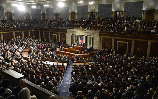 Hạ viện Mỹ thông qua dự luật chi tiêu tạm thời nhằm ngăn chính phủ đóng cửa