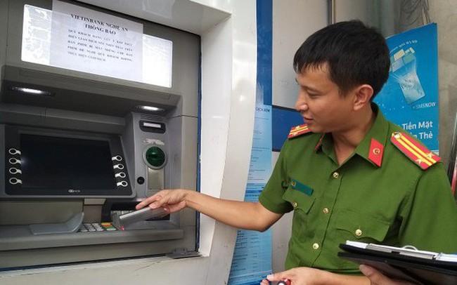 Làm gì để không bị đánh cắp thông tin thẻ ngân hàng?