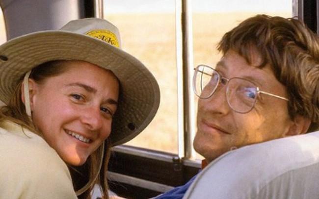 """Bill Gates từng liệt kê chi tiết những cái """"được"""" và """"mất"""" trước khi lấy vợ, 25 năm sau thực tế chứng minh rằng ông """"đầu tư"""" chẳng lỗ chút nào!"""