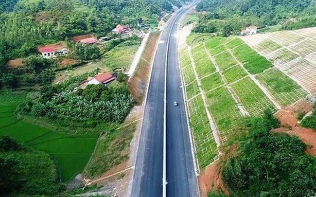 """Đường cao tốc Bắc Giang-Lạng Sơn trước giờ """"G"""" thông xe"""