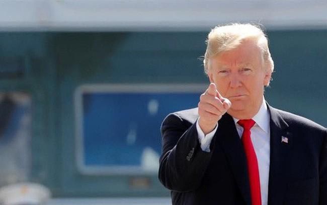 """Ông Trump: """"Chứng khoán Mỹ sẽ sập nếu tôi bị luận tội"""""""