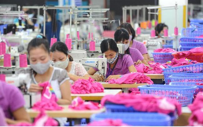 Xuất khẩu dệt may: Gánh nặng dồn về cuối năm - ảnh 1