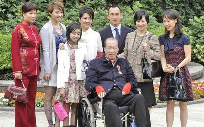 Drama gia tộc casino lớn nhất thế giới: Tỷ phú 97 tuổi là 'nạn nhân' của 4 bà vợ, 17 người con, sóng gió tranh ngôi báu 6 tỷ USD triền miên, không yên ngày nào!