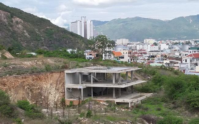 Phá nát di tích lầu Bảo Đại làm resort 5 sao: Ai phải chịu trách nhiệm?