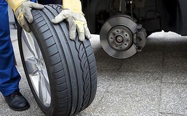 """Nguyên nhân nào khiến xe hơi """"ngốn"""" nhiên liệu bất thường?"""