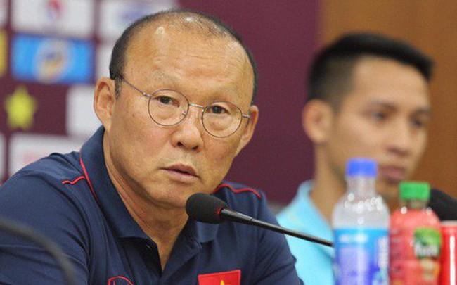"""HLV Park Hang-seo: """"Công Phượng, Văn Hậu cần theo dõi thêm, chưa chắc được ra sân trận gặp Malaysia"""""""