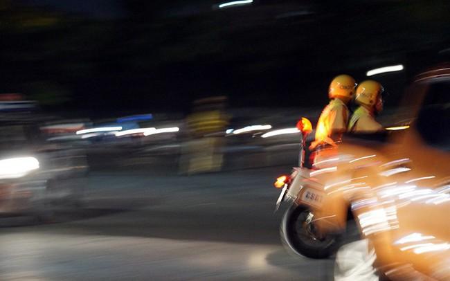 Cảnh sát trắng đêm chống đua sau trận Việt Nam thắng Malaysia
