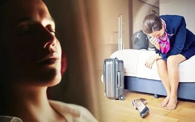 Tiếp viên hàng không tiết lộ sự thật khắc nghiệt trong nghề: Cơ thể lão hóa như cụ bà 80 và những chuỗi ngày không được là chính mình