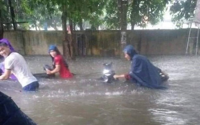 Mưa lớn ở Nghệ An làm 2 người chết, hơn 5.000 ngôi nhà bị ngập