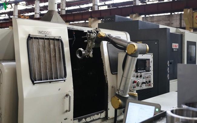 Robot dần mở rộng ứng dụng trong lĩnh vực công nghiệp phụ trợ Việt Nam - ảnh 1
