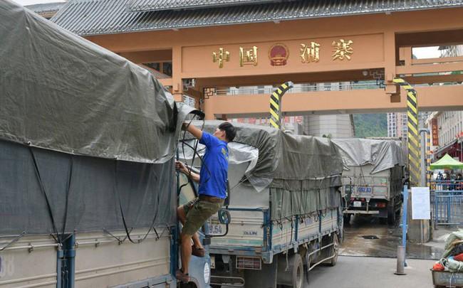 Tin từ cửa khẩu Tân Thanh, hôm nay hết ùn tắc sang Trung Quốc