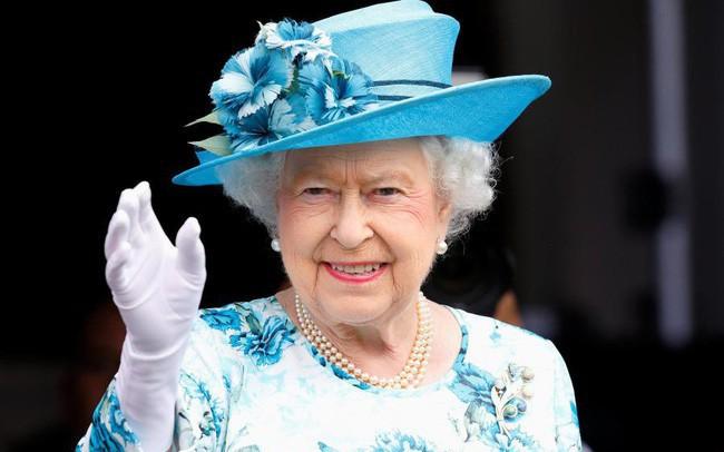Đây chính là bí quyết giúp Nữ hoàng Anh dù 93 tuổi vẫn mạnh khỏe, minh mẫn, có thể tự lái xe ô tô