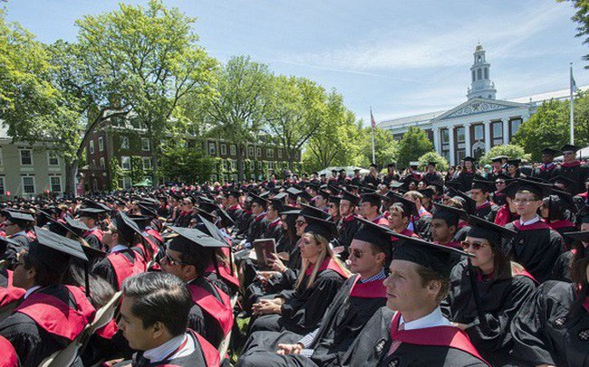 Được tài trợ hơn 40 tỷ USD, Đại học Harvard tiêu tiền vào việc gì?