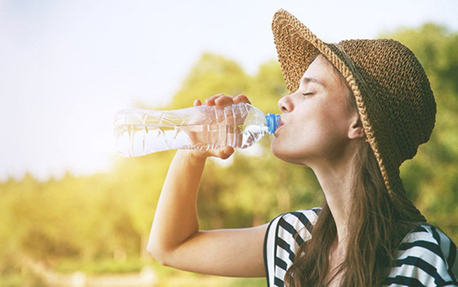 """Các bước thanh lọc cơ thể và lấy lại năng lượng sau một đêm ăn uống """"thả ga"""""""